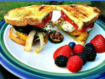 Grilled vegetable sandwiches - the taste of summer!